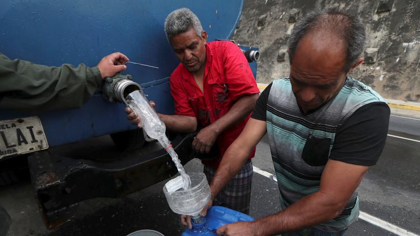 El Gobierno venezolano suministra agua a nivel nacional mientras contrarresta los cortes eléctricos