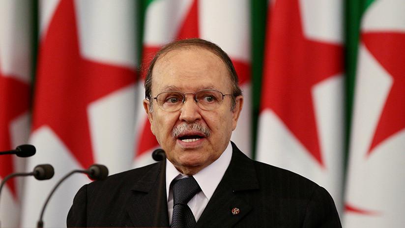 """El Ejército de Argelia solicita apartar del poder """"de inmediato"""" al presidente Buteflika"""
