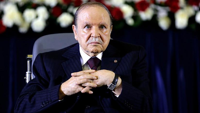 El presidente argelino Buteflika presenta su renuncia tras el ultimátum del Ejército