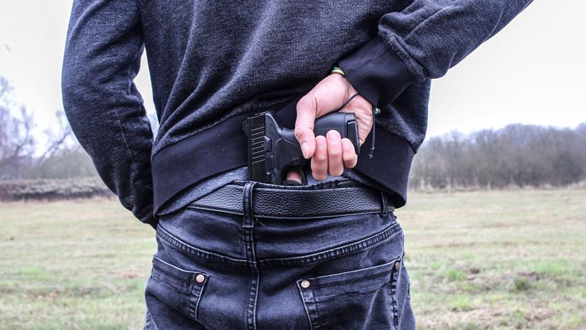 Trágico final para un delincuente que intentó robar a un taxi de Uber con una pistola de juguete en Argentina