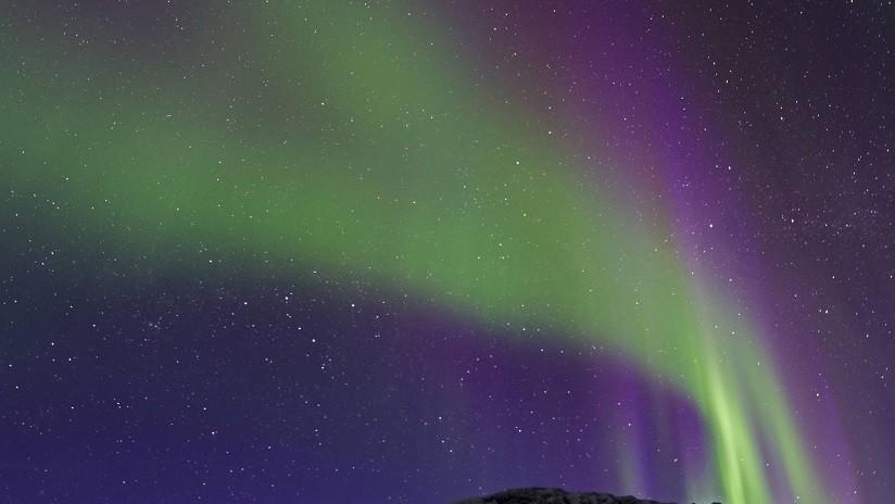 VIDEO: Asombroso 'timelapse' muestra cómo un experimento de la NASA crea una imagen surrealista en el cielo nocturno