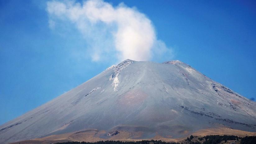 Alertan de caída de ceniza en Puebla y Morelos por emisión de gases del volcán Popocatépetl