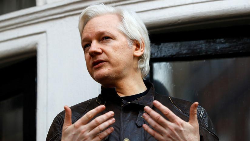 Ecuador retira el asilo diplomático de Assange y la Policía británica arresta al activista