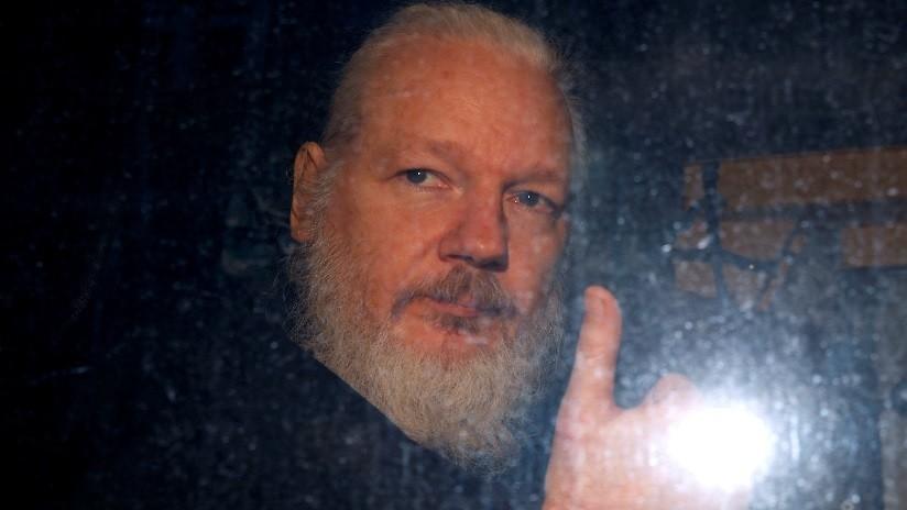 """Venezuela rechaza la """"atroz"""" decisión de privar del derecho de asilo a Assange y su """"torpe y vergonzosa"""" detención por la Policía británica"""