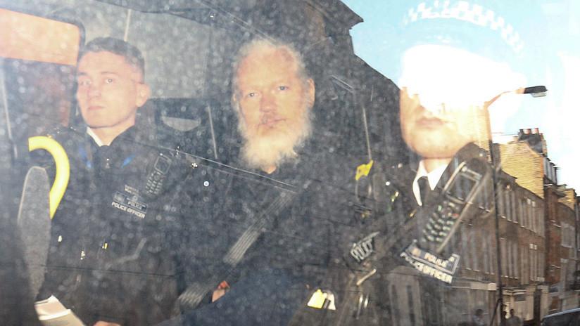 """""""Es nuestra propiedad"""": Congresistas de EE.UU. celebran la detención de Assange"""