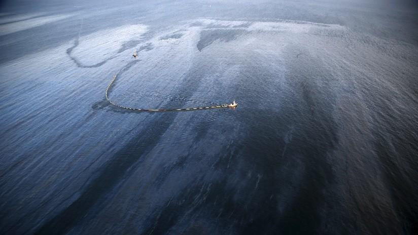 Hallan bacterias únicas que comen hidrocarburos en el lugar más profundo del Océano