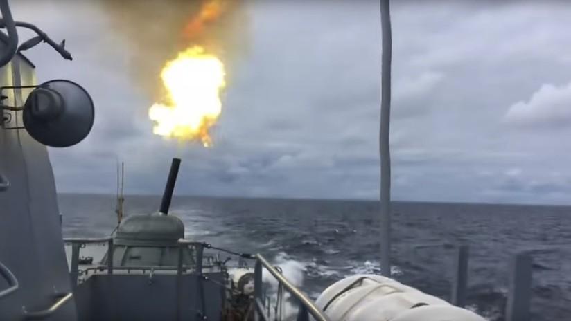VIDEO: Buques de la Flota rusa eliminan al enemigo con todo tipo de armamentos durante ejercicios en el Báltico