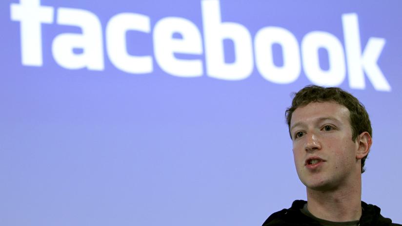 Un grupo de accionistas de Facebook propone retirarle la presidencia a Zuckerberg