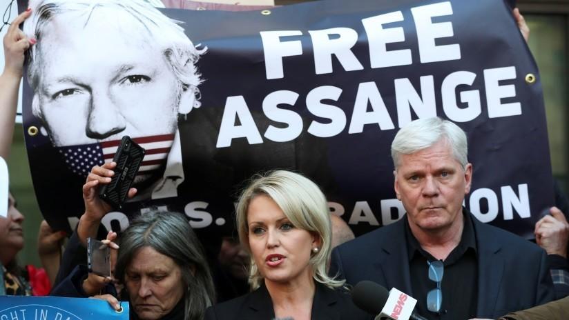 """Abogada de Assange: """"Ecuador le acusa de 'mala conducta' para justificar el acto ilícito de su arresto"""""""
