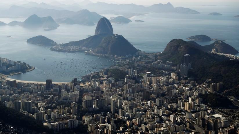 Lanzan un ingenioso proyecto a la intemperie para combatir el analfabetismo y la violencia en Río de Janeiro