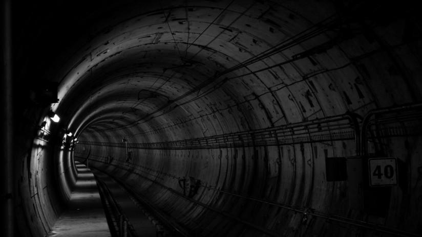 EE.UU.: Rescatan a un hombre ciego de las vías del metro segundos antes de la llegada del tren (VIDEO)