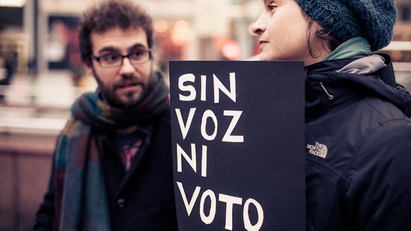 El voto rogado: el laberinto burocrático que dificulta que los expatriados españoles participen en sus elecciones
