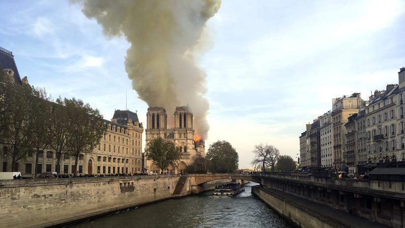 VIDEOS, FOTOS: Se registra un voraz incendio en la catedral de Notre Dame de París