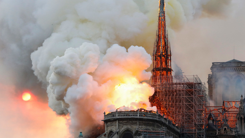 Las llamas devoran catedral parisina de Notre Dame (+Video y Fotos)