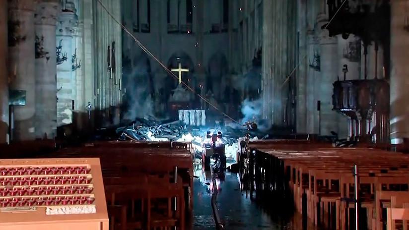 """""""Probablemente un accidente"""": Notre Dame sufre daños colosales por el devastador incendio"""