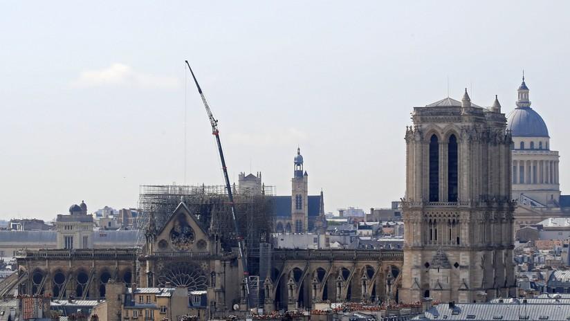 """Francia lanza un """"concurso internacional"""" para reconstruir la aguja de Notre Dame"""