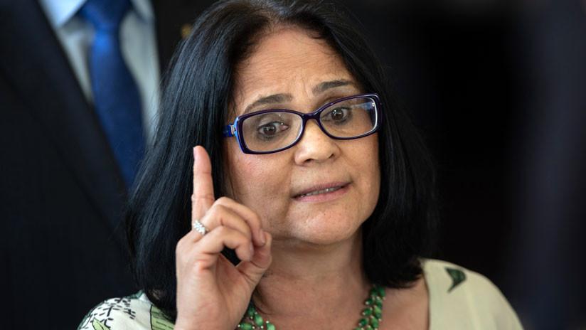 """""""El hombre es el líder"""": Ministra brasileña dice que """"la sumisión de la mujer en el matrimonio es una cuestión de fe"""""""