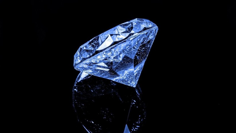 """FOTO: Descubren en Botsuana un """"excepcional"""" diamante azul de 20 quilates"""