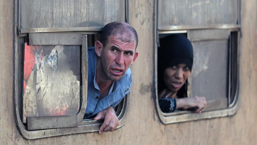 Decenas de heridos al descarrilar un tren en Egipto (VIDEO, FOTOS)