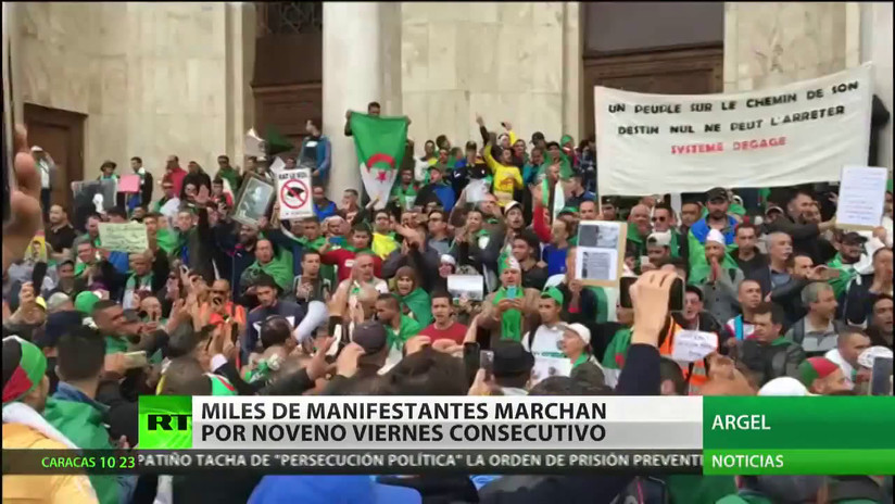 Miles de personas marchan en Argel para exigir un cambio al gobierno