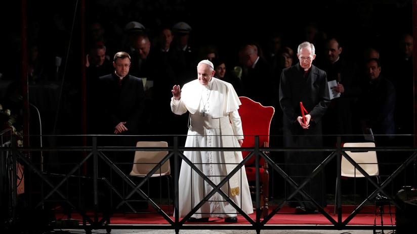 VIDEO: El papa Francisco dirige el Vía Crucis del Viernes Santo en el Coliseo de Roma