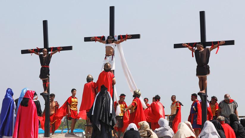 VIDEO: Filipinos se crucifican voluntariamente en el ritual de Viernes Santo