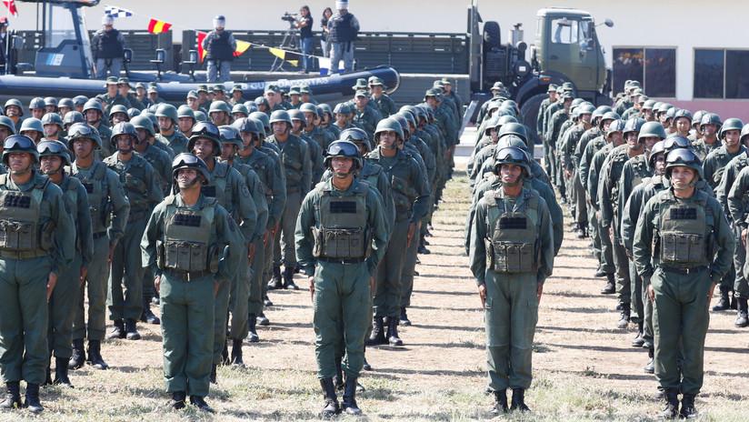 Experto en derecho internacional señala un posible pretexto para una intervención militar en Venezuela