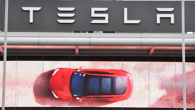 Un Tesla explota en un aparcamiento en China (VIDEO)