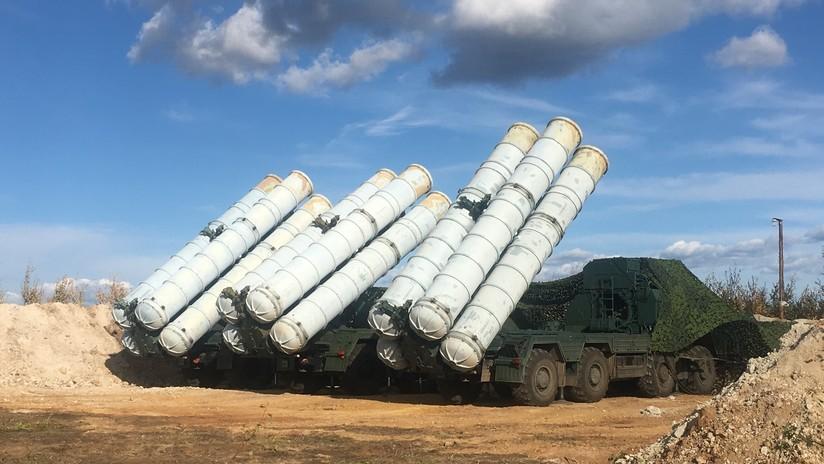 Un senador estadounidense amenaza con imponer sanciones a Turquía si compra los S-400 a Rusia