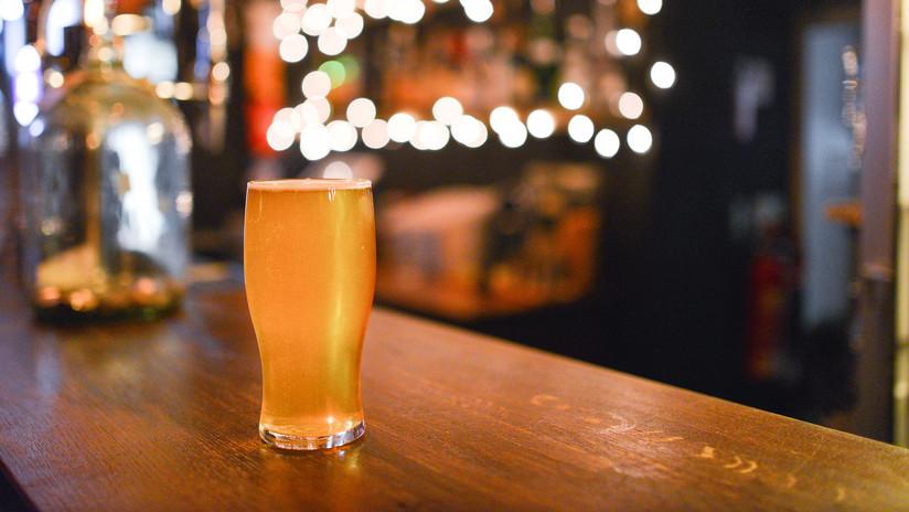 Hombre pierde hasta 20 kilos bebiendo únicamente cerveza