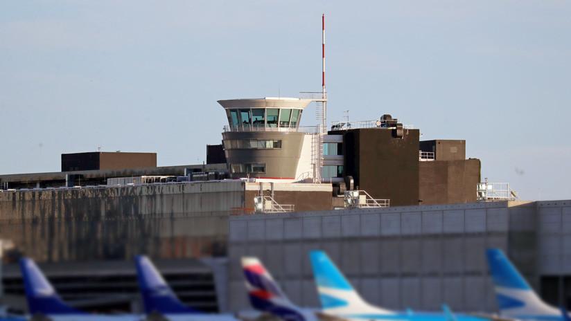 """""""Son unos inútiles"""": La bronca de un piloto a una controladora después de que dos aviones se cruzaran a pocos metros en Argentina (AUDIO)"""