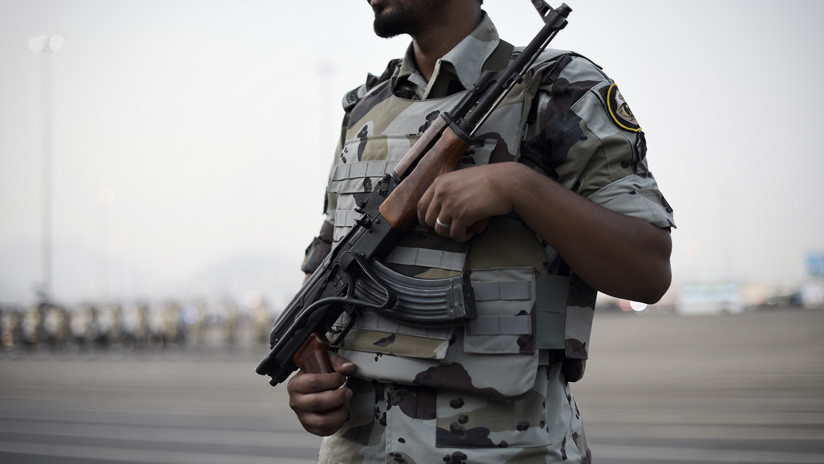 Arabia Saudita ejecuta a 35 personas y crucifica a otras 2 por delitos vinculados con el terrorismo