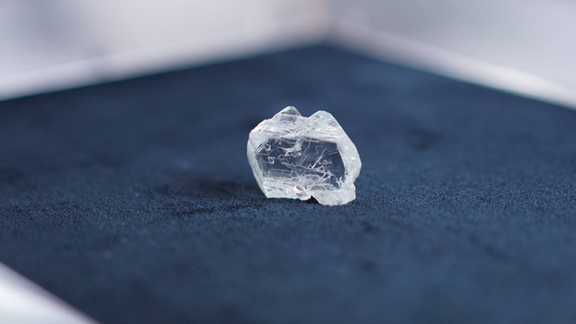 Extraen en Rusia un enorme diamante de calidad gema de más de 100 quilates