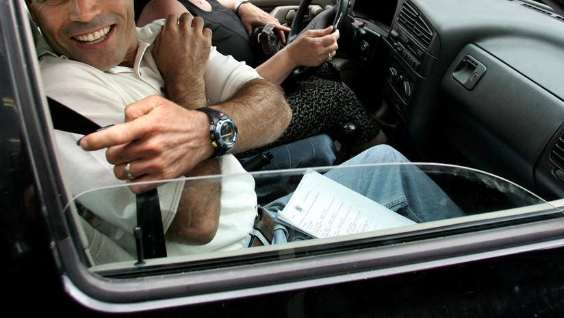 VIDEO: La broma de un conductor a su copiloto para nunca olvidar usar el cinturón de seguridad