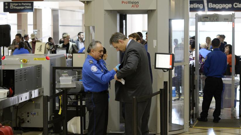 """Cuestionan en EE.UU. el uso de un nuevo escáner para pasajeros en los aeropuertos por """"riesgos de privacidad"""""""