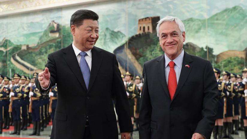 """Piñera inicia su visita en Pekín con la firma de un """"plan de acción"""" para fortalecer las relaciones con China (FOTOS)"""