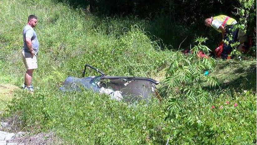 FOTOS: Una mujer sobrevive cinco días atrapada tras accidentarse con su coche en EE.UU.