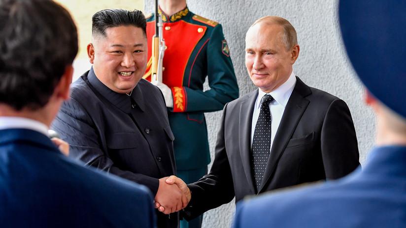 VIDEO: Primer apretón de manos entre Vladímir Putin y Kim Jong-un