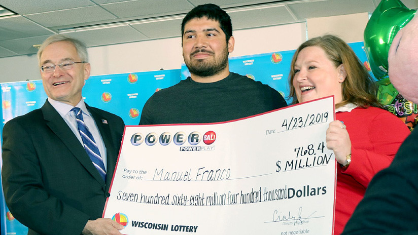 Estadounidense que ganó 768,4 millones de dólares en la lotería opta por un pago único de 477 millones