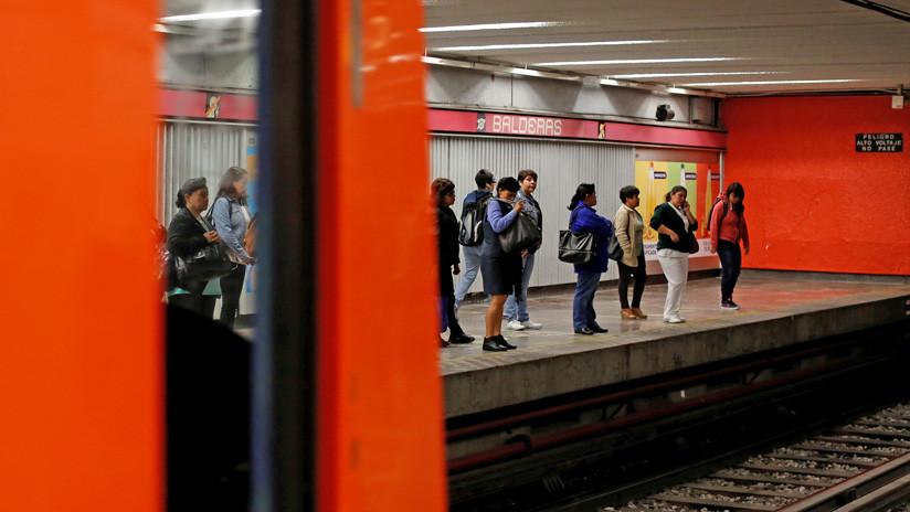 Socorristas de la mujer muerta en el metro de Ciudad de México confundieron una embolia con ebriedad