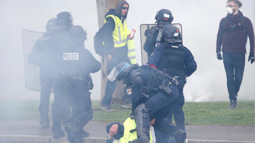 Los 'chalecos amarillos' vuelven a tomar las calles de Francia