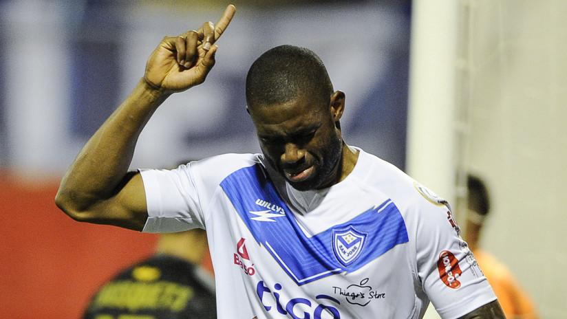 VIDEO: César Mena bate el récord de autogoles en una misma edición de la Libertadores