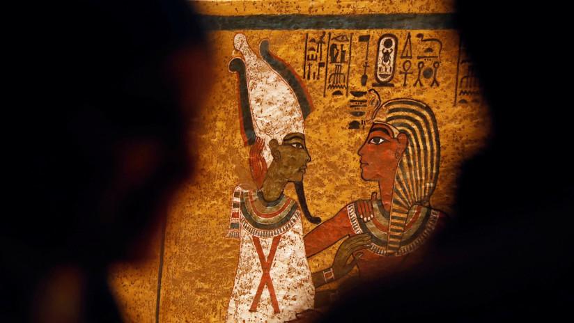 ¿Quién gobernó Egipto antes de que Tutankamón ascendiera al trono?