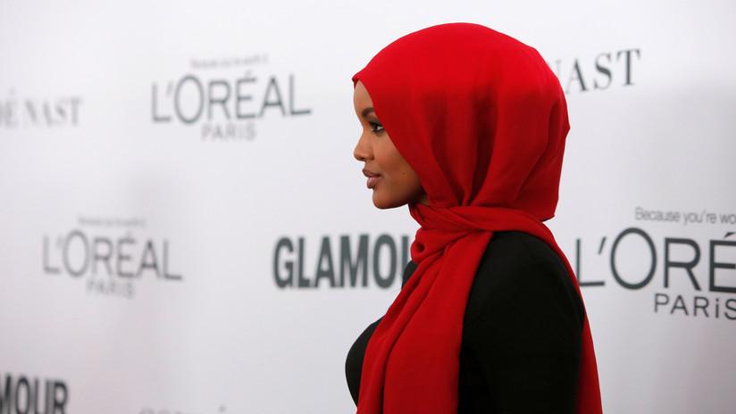 Una modelo musulmana hace historia al lucir en hiyab y 'burkini' para la edición de trajes de baño de Sports Illustrated