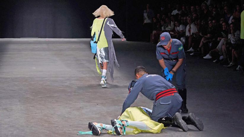 VIDEO: Divulgan imágenes del momento en que un modelo brasileño se desploma en la pasarela antes de morir súbitamente