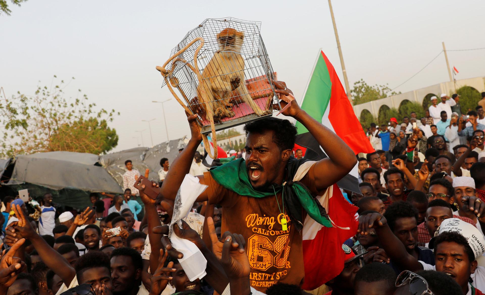 Intereses, injerencias y golpe militar: ¿Ha habido una revolución en Sudán?