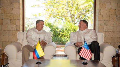 El secretario de Estado de EE.UU., Mike Pompeo, habla con el presidente colombiano Iván Duque en Cartagena. Colombia, 2 de enero de 2019.