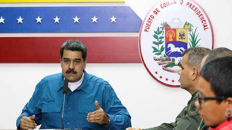 El presidente de Venezuela, Nicolás Maduro, habla durante una reunión con funcionarios, en Caracas, Venezuela, el 31 de marzo de 2019.