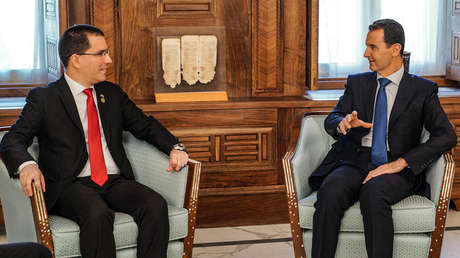 Presidente sirio Bashar al-Assad se reúne con canciller venezolano, Jorge Arreaza, en Damasco, Siria, el 4 de abril de 2019.