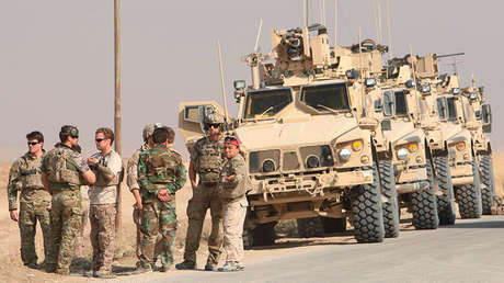 Vehículos militares de EE.UU. en Nawaran, al norte de Mosul, Irak, el 26 de octubre de 2016.